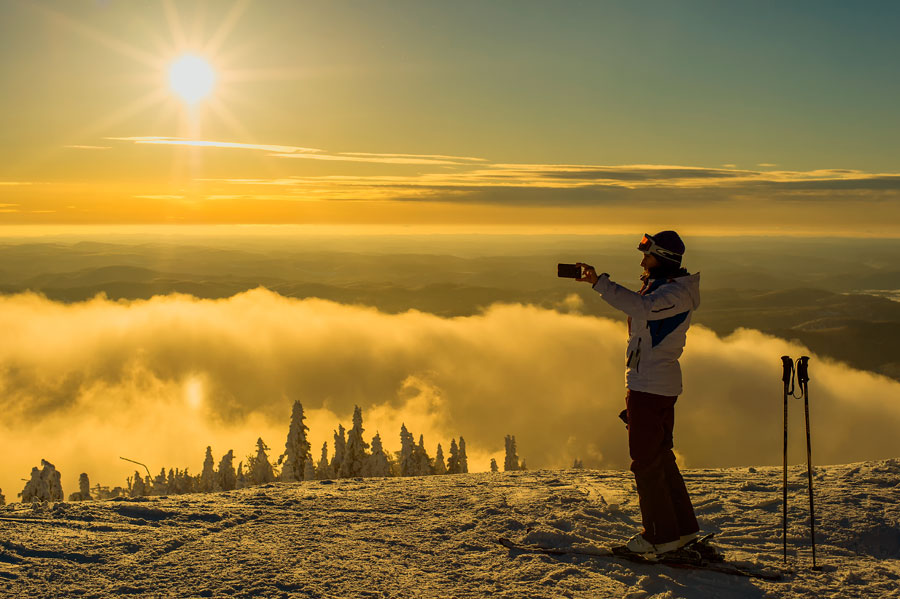 Photo Contest 2013 RIchard Wu Above the Clouds​